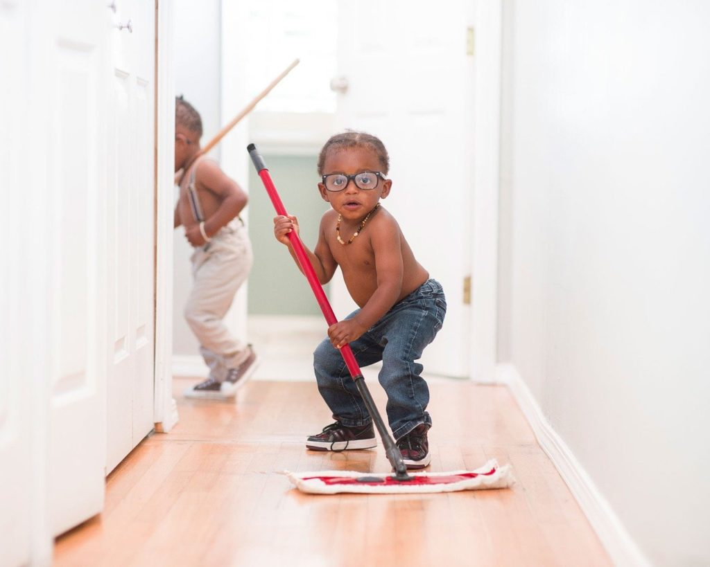 Kids cleaning
