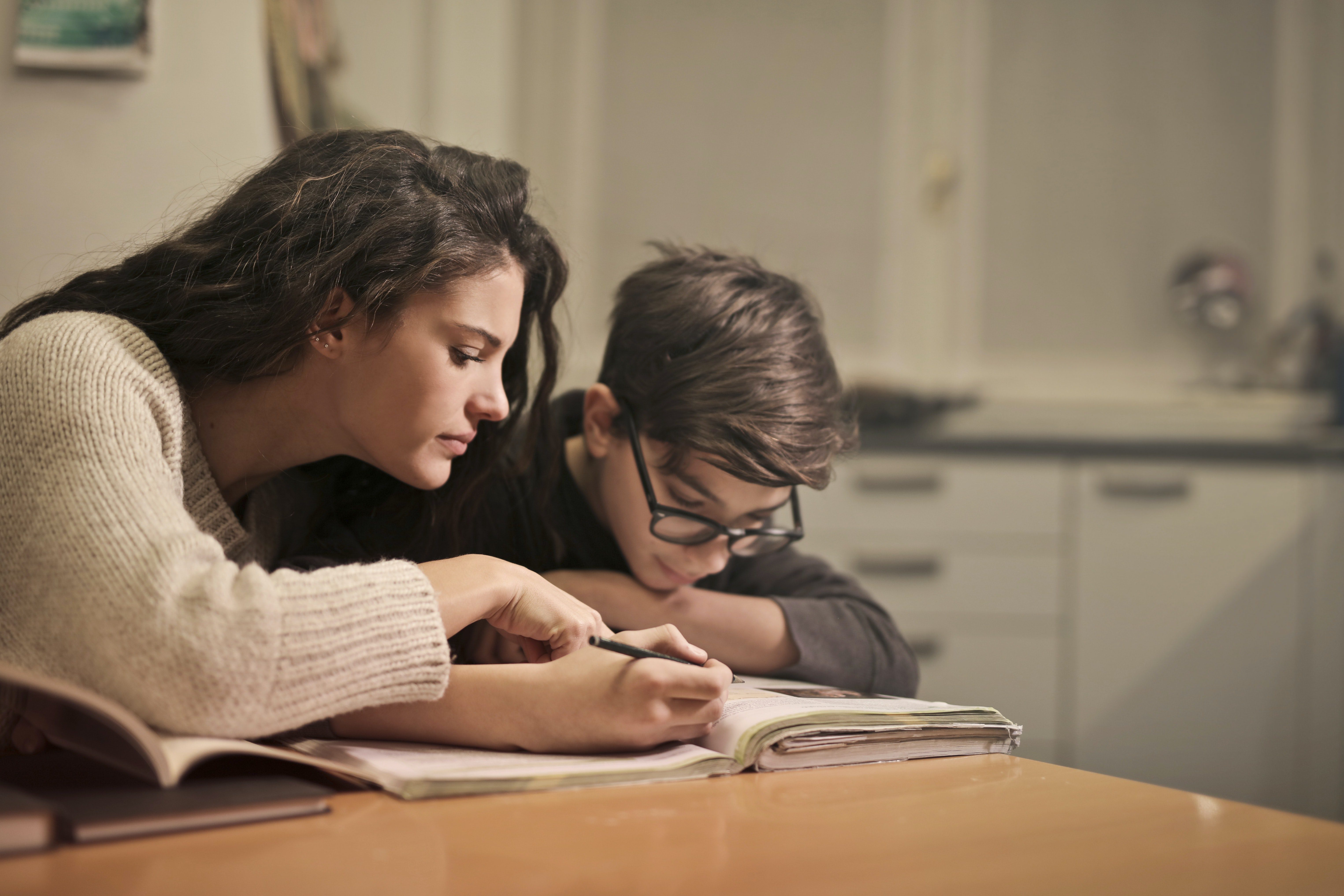 You are currently viewing 4 Innovative Ways to Teach Your Kids at Home