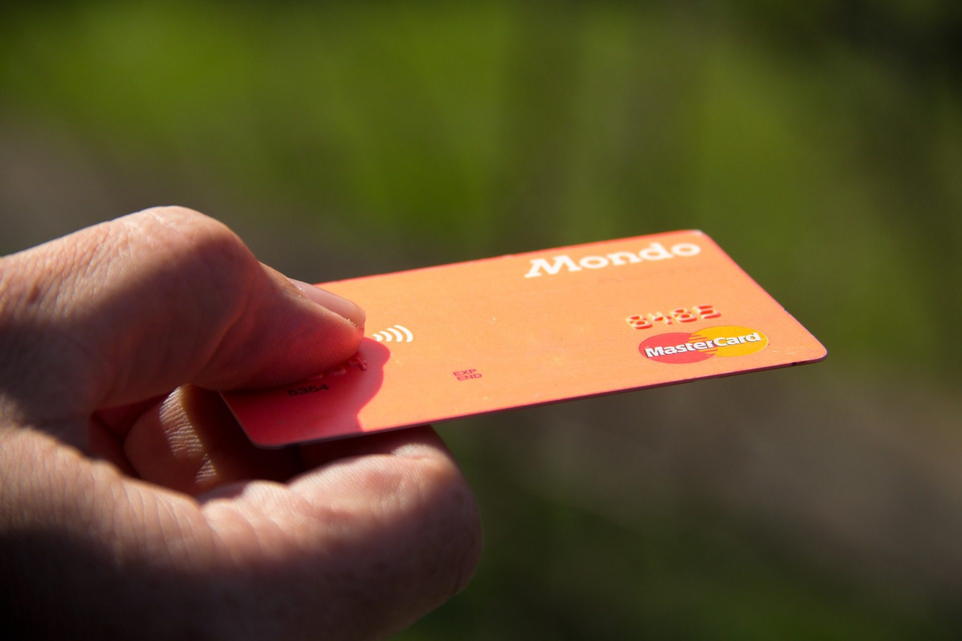 You are currently viewing 10 Things to Consider Before Stacking up on Credit Cards as a Parent