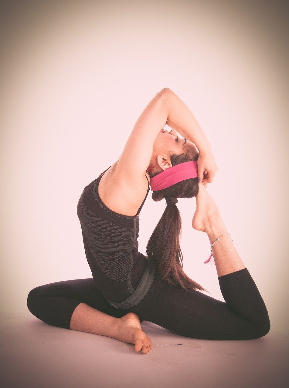 You are currently viewing The Best Yoga Headbands and Why You Need Them