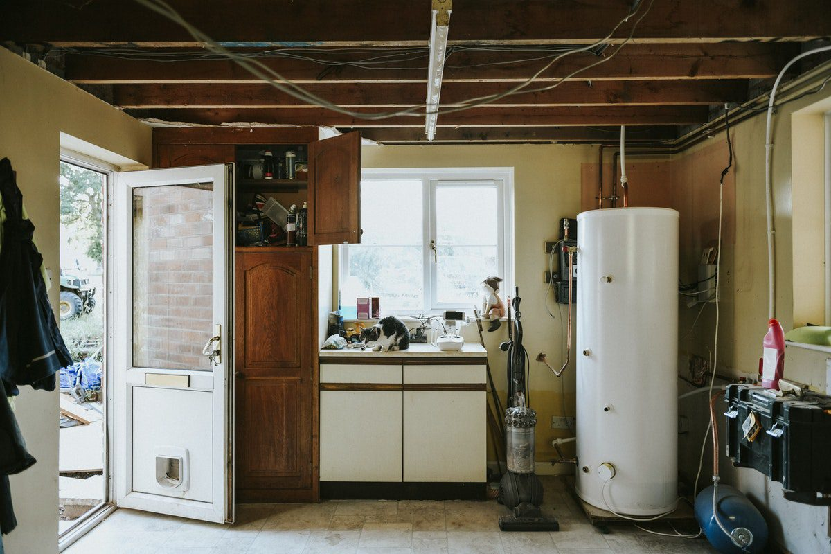 You are currently viewing How to Select the Right Water Heater?