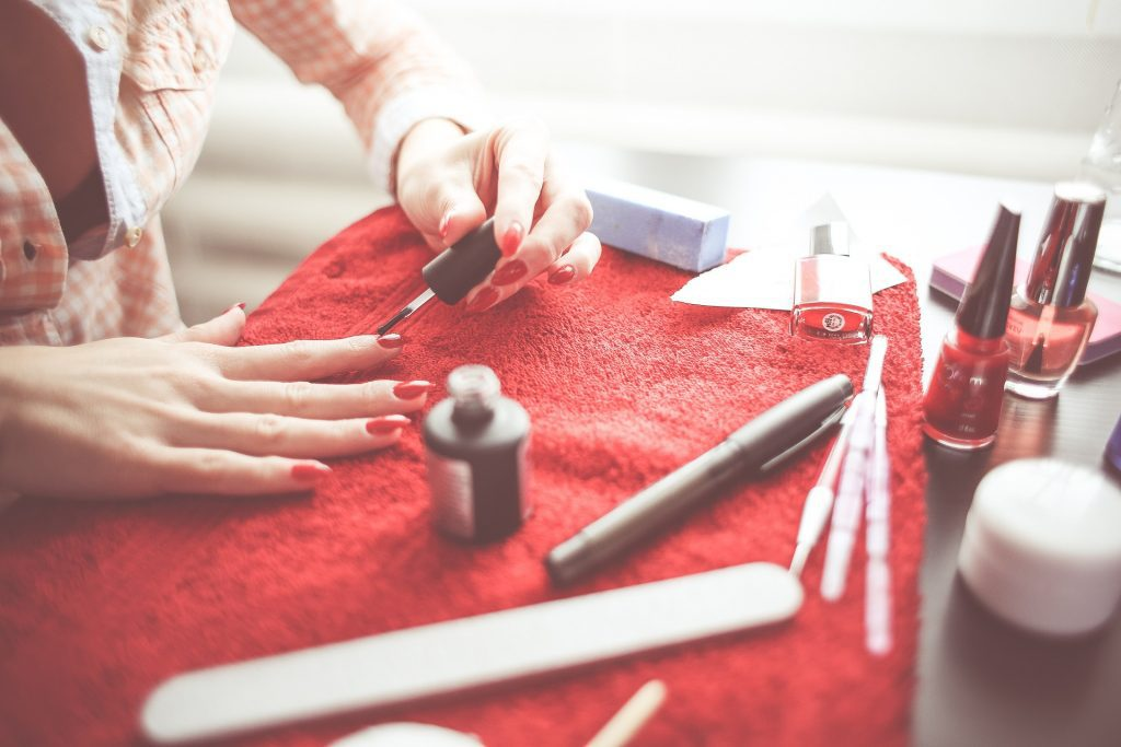 Self manicure