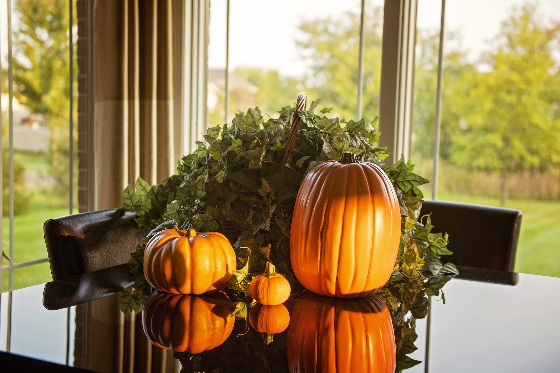 You are currently viewing Fall Decor Inspiration: Pumpkins, Apples + More