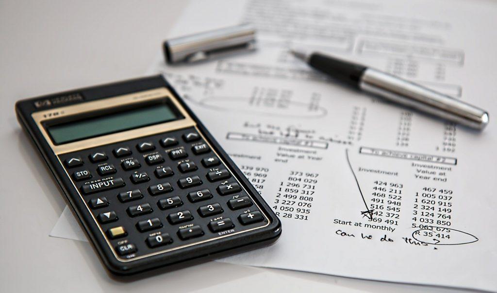 Refinancing decisions