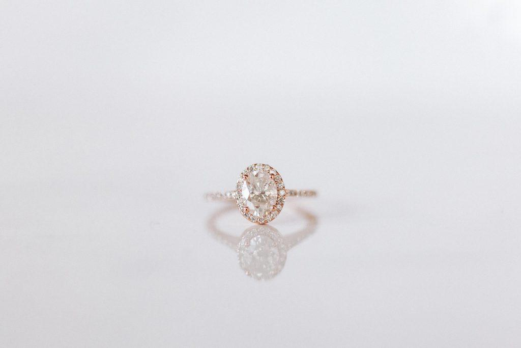 Melee diamond ring