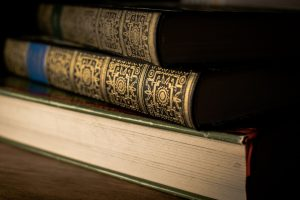 Read more about the article Literary Classics That Will Improve Your English and Your Mood