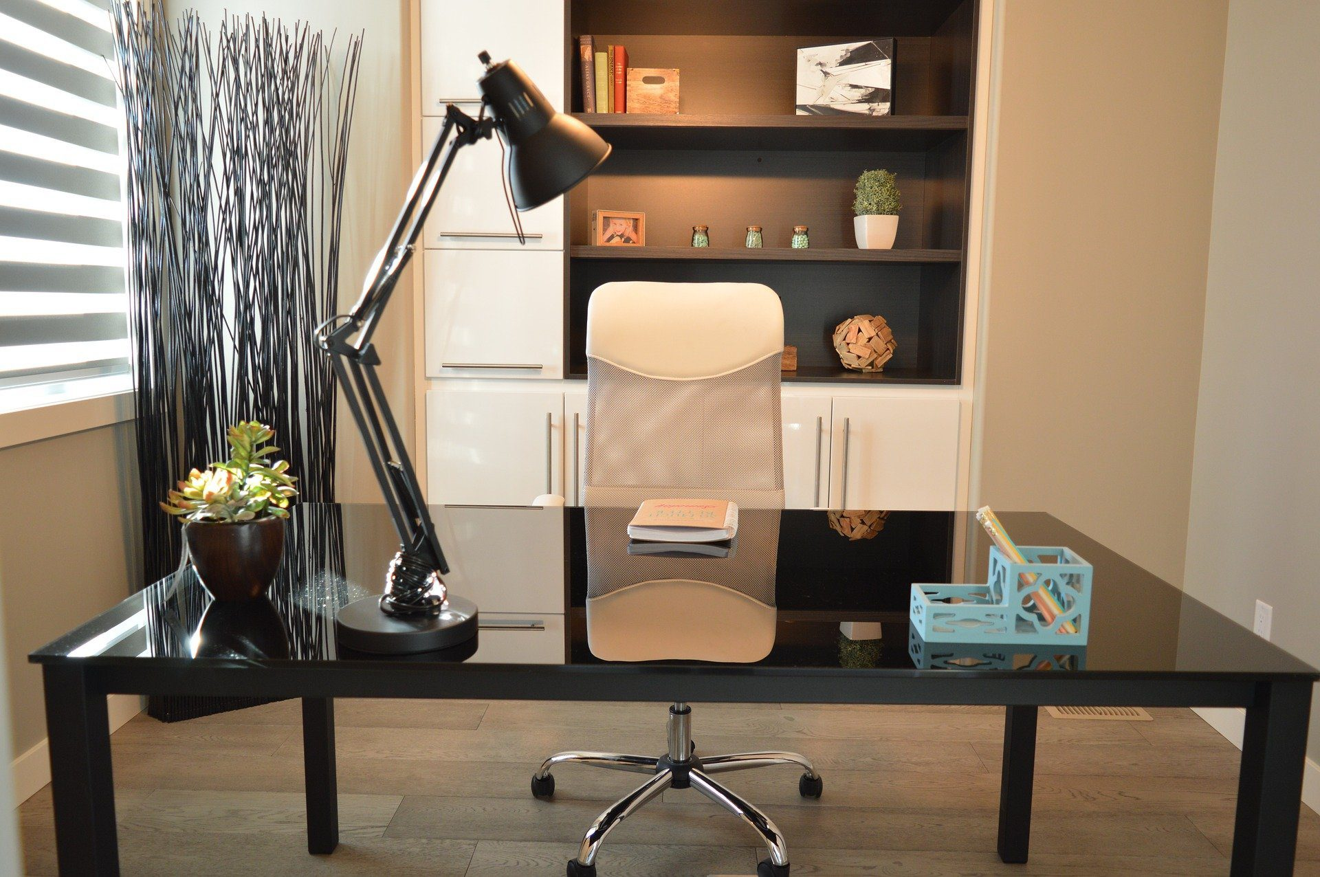 4 Reasons Why You Should Pay Attention to Office Furniture