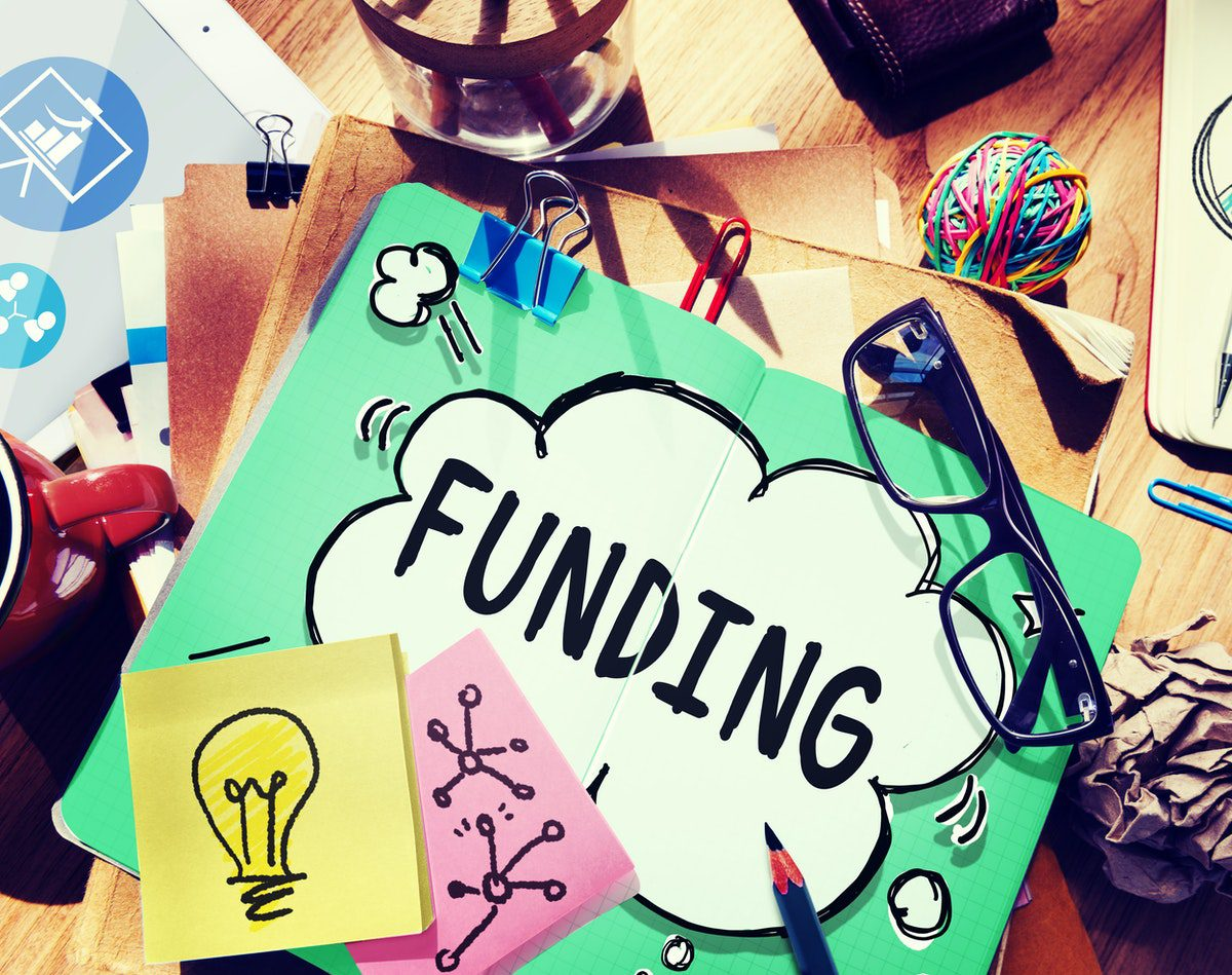 You are currently viewing 5 Tips for Funding Your Side Hustle as A Parent