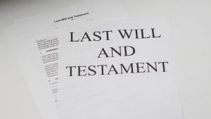 What's the Difference Between a Will and an Estate Plan?
