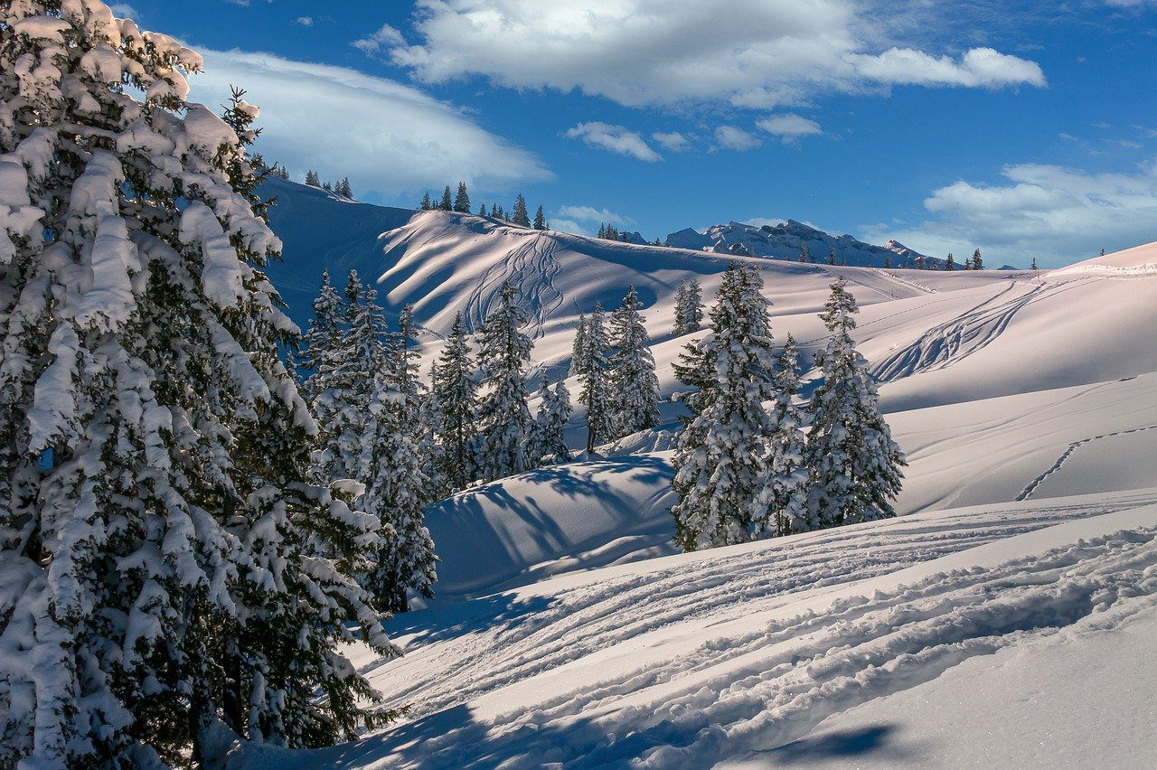 You are currently viewing The Best Places in the World for Backcountry Skiing