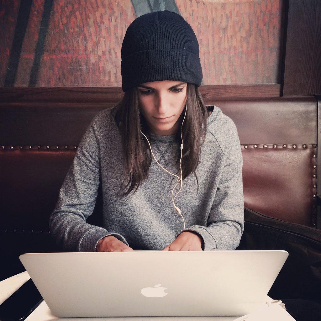 Reading laptop