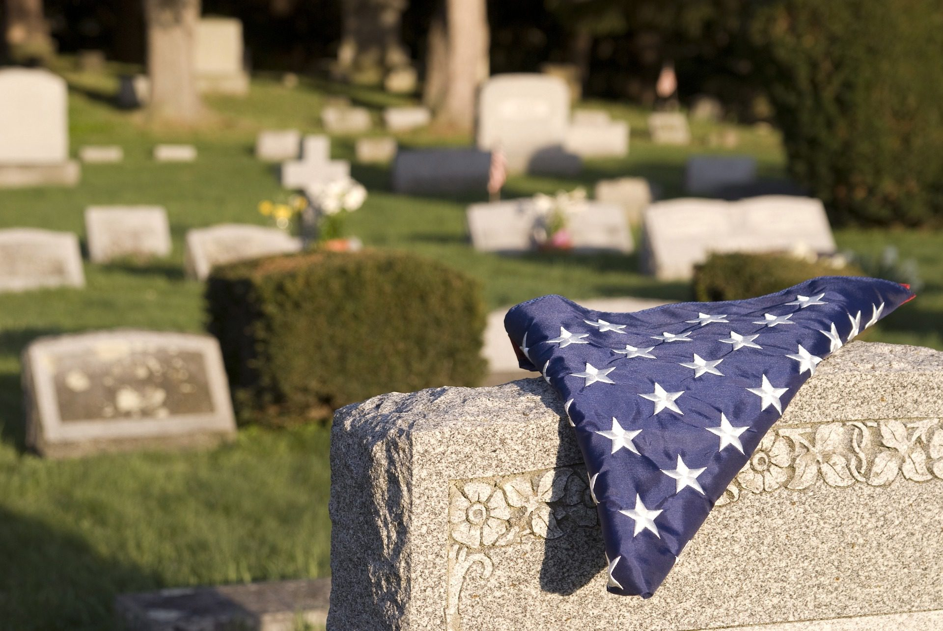 7 Organizations That Will Help You Pay for a Funeral