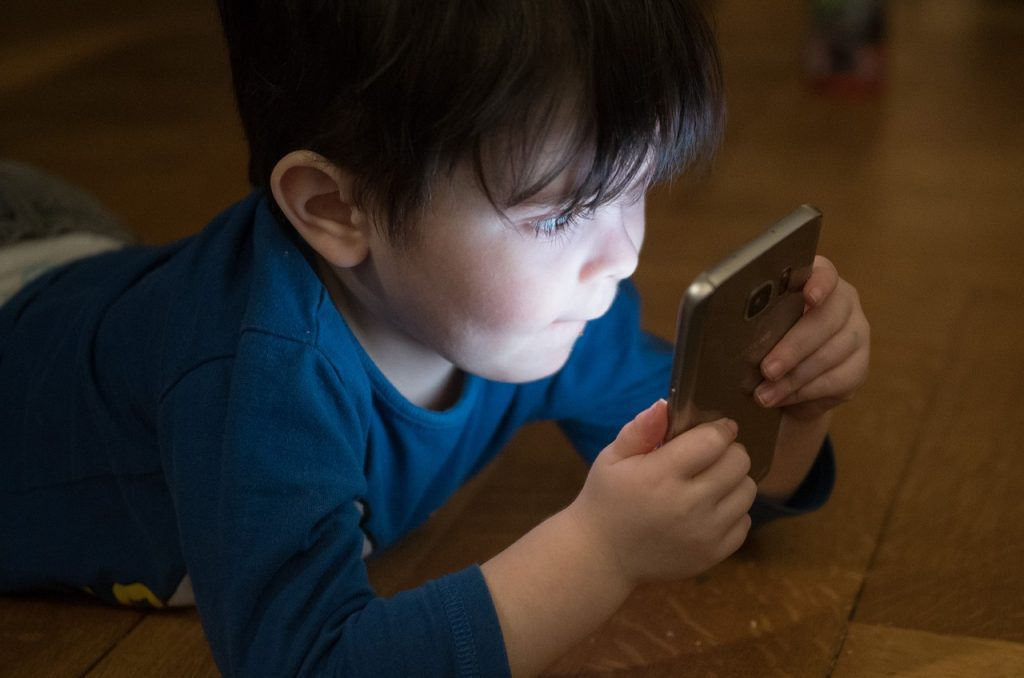 Reduce screen time for healthy sleep habits