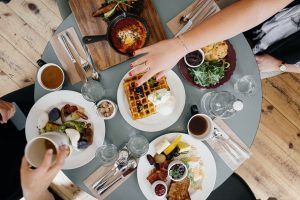 5 Great Breakfast Spots in Mena