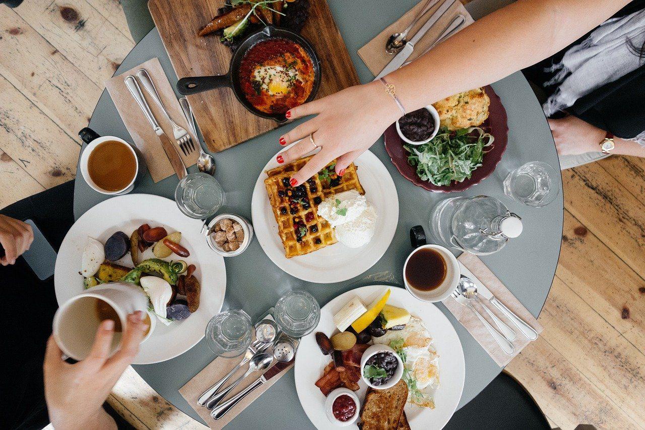 5 Great Breakfast Spots in Mena