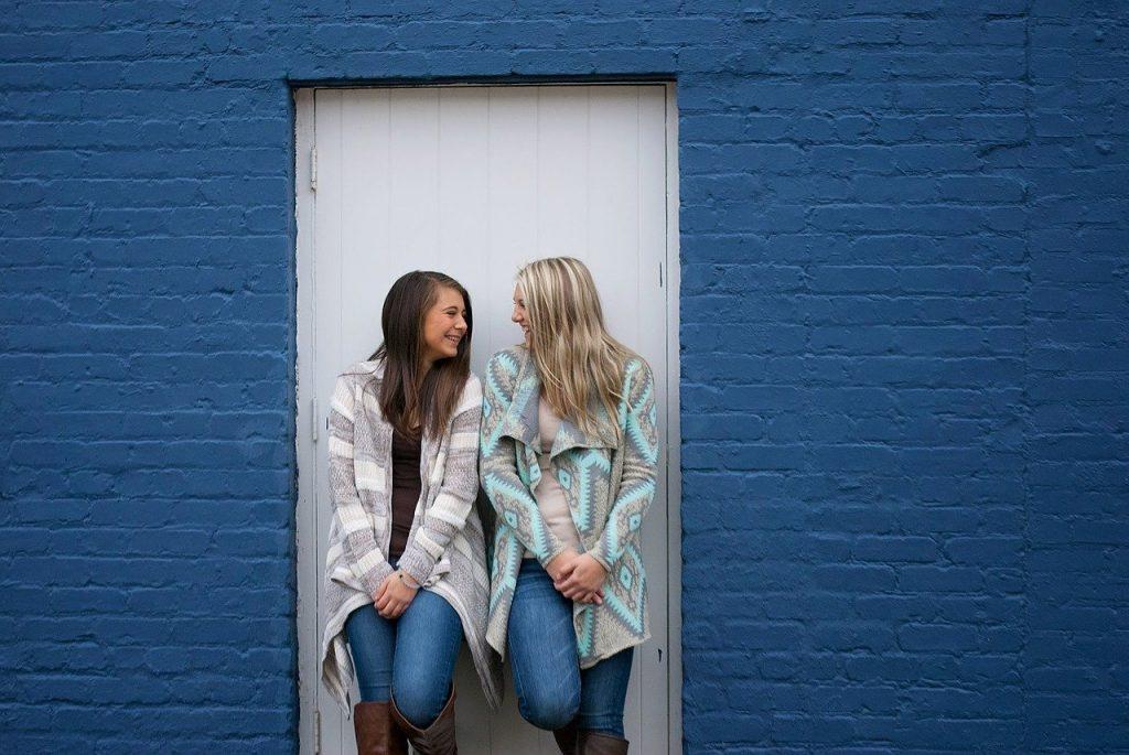 Friends in doorway