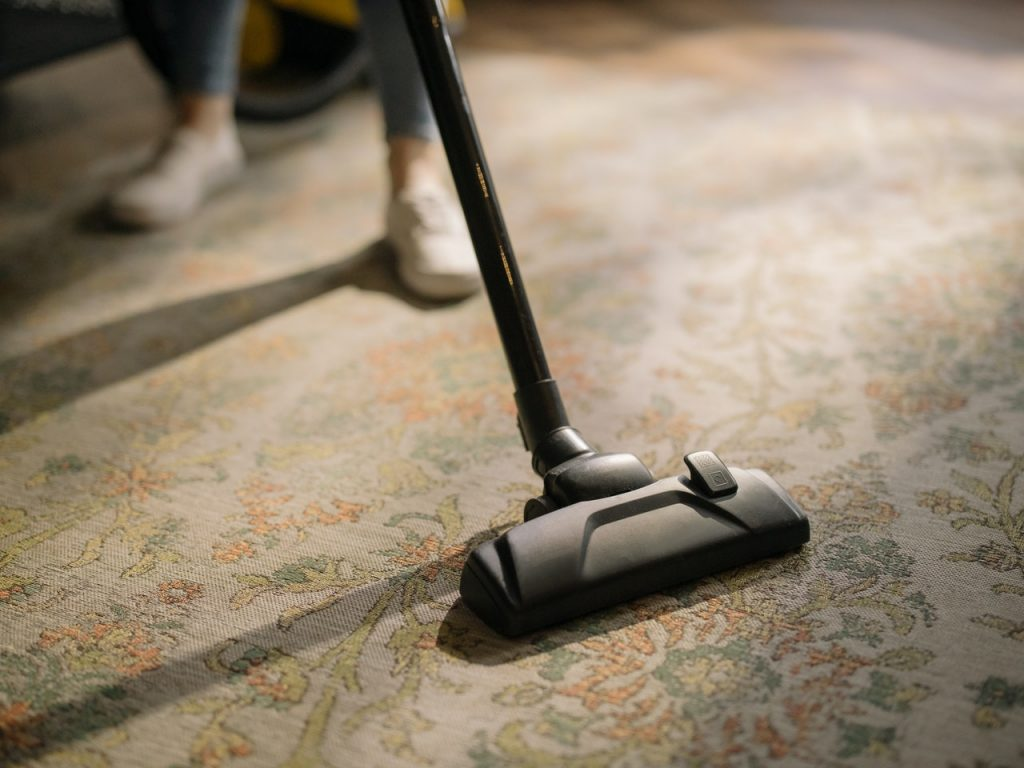 Vacuum floors and bed