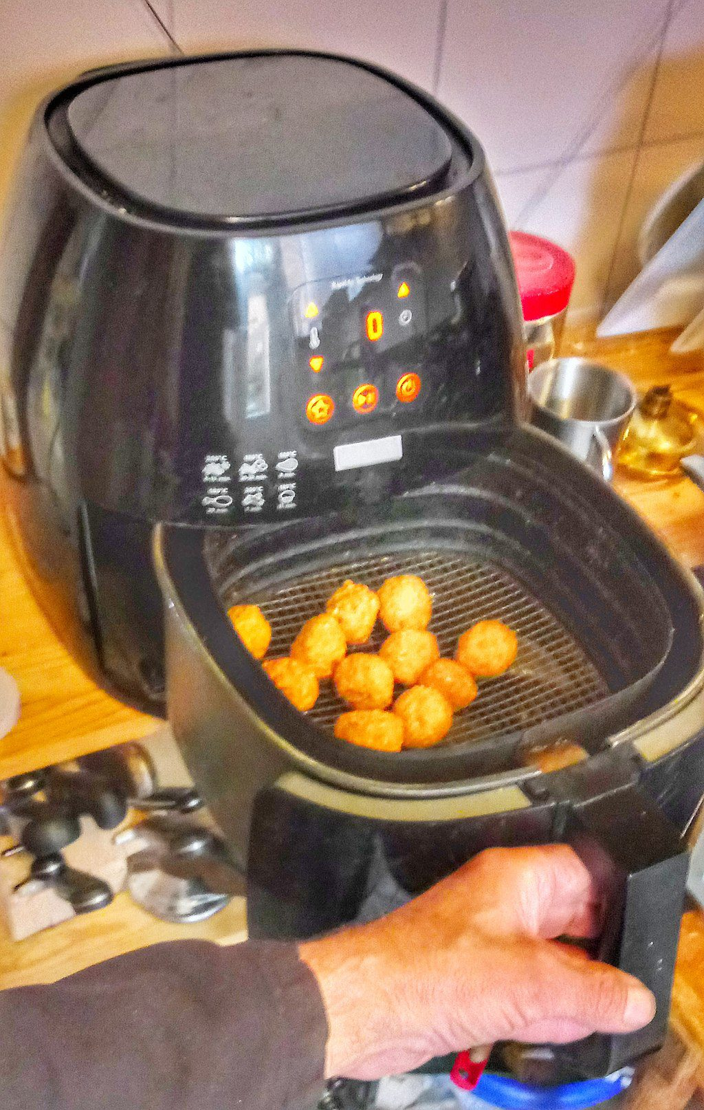 You are currently viewing Must-Know Facts Before Purchasing an Air Fryer