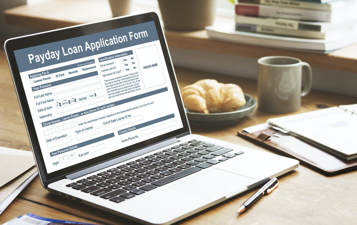 The Pros and Cons of Getting an Online Payday Loan