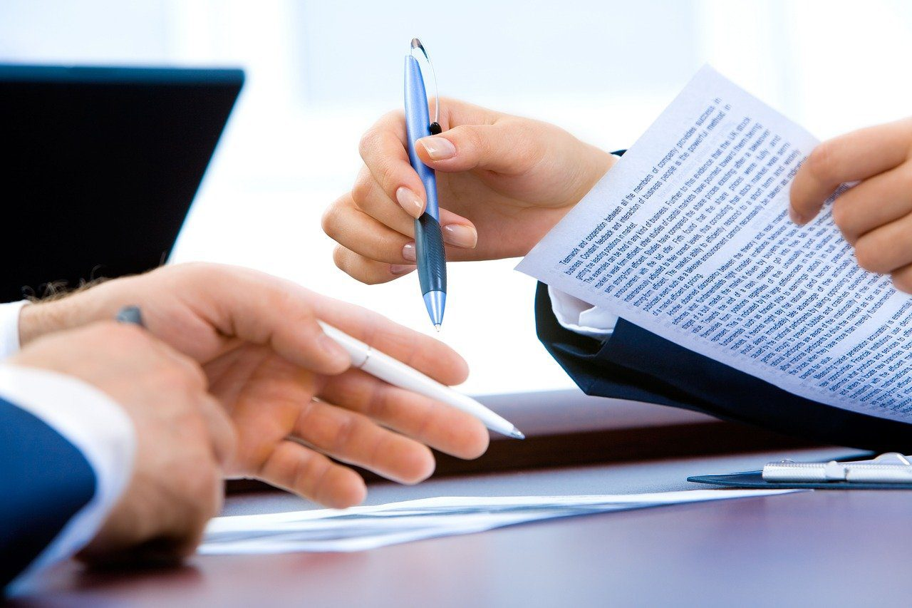 You are currently viewing Why You Should Have A Legal Review of Contracts