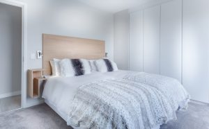 Read more about the article Full vs Queen: A Mattress Size Comparison Guide