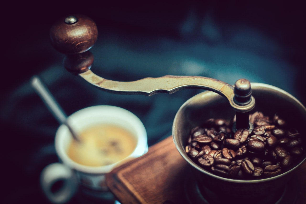 Cafe Owners: How Should You Store Your Coffee Grounds?