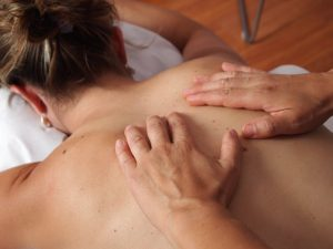 Read more about the article 8 Ways to Maximize the Benefits of Body Massages
