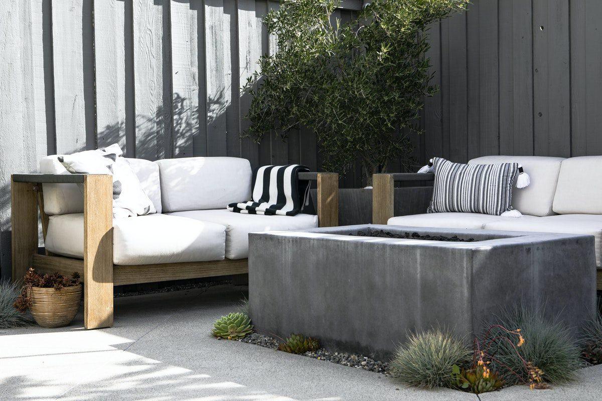 You are currently viewing How to Choose the Best Outdoor Furniture for Your Yard