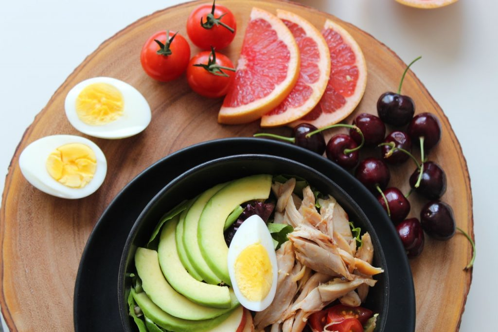 Protein-rich food plate