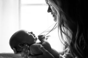 Read more about the article Are you a first-time mom? Here are 4 tips on how to relieve common stresses