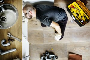 Read more about the article Reasons You Should Call an Emergency Plumber in Islington