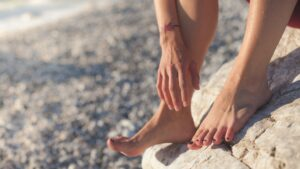 Read more about the article Bulging Veins In The Legs: Should You Worry?