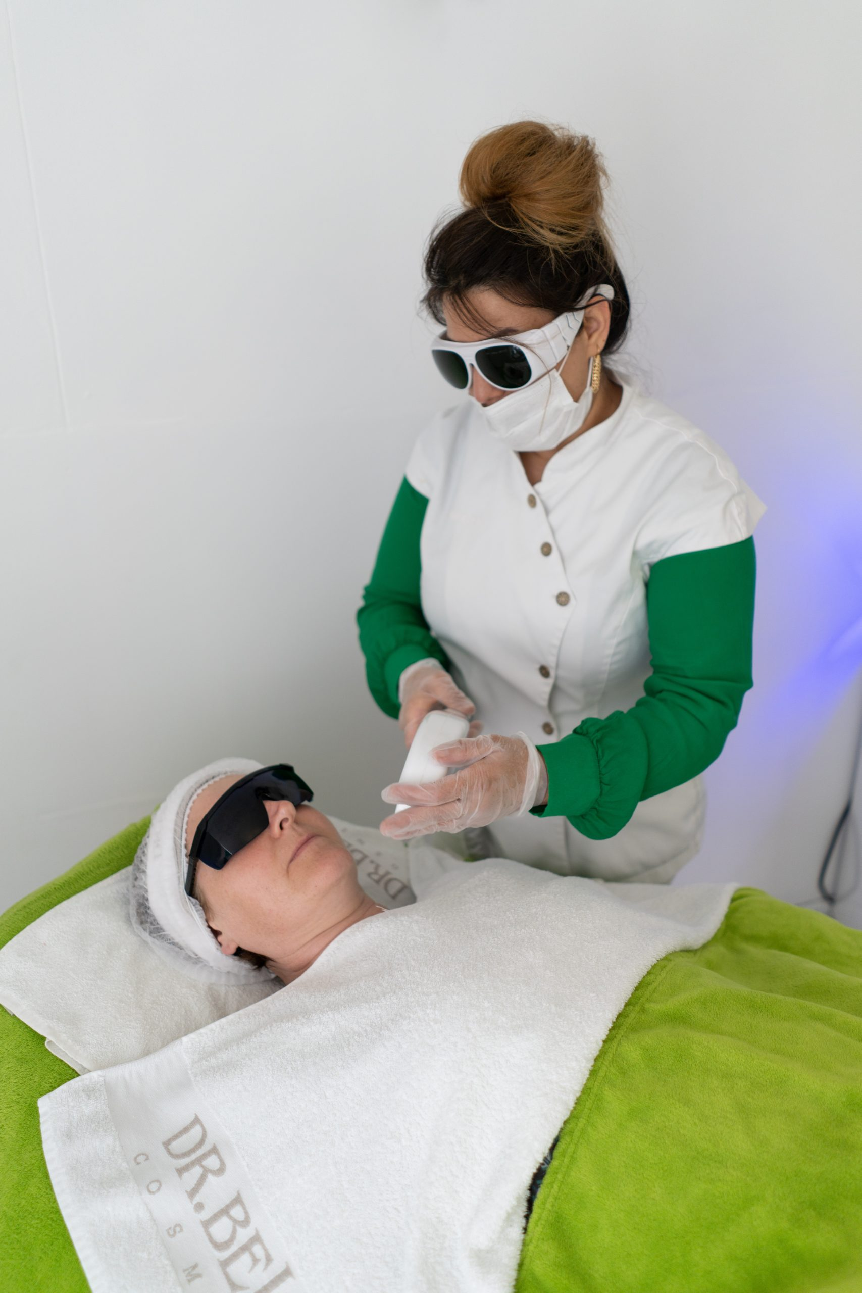 You are currently viewing Why should you never go for Cheap Laser Hair Removal products