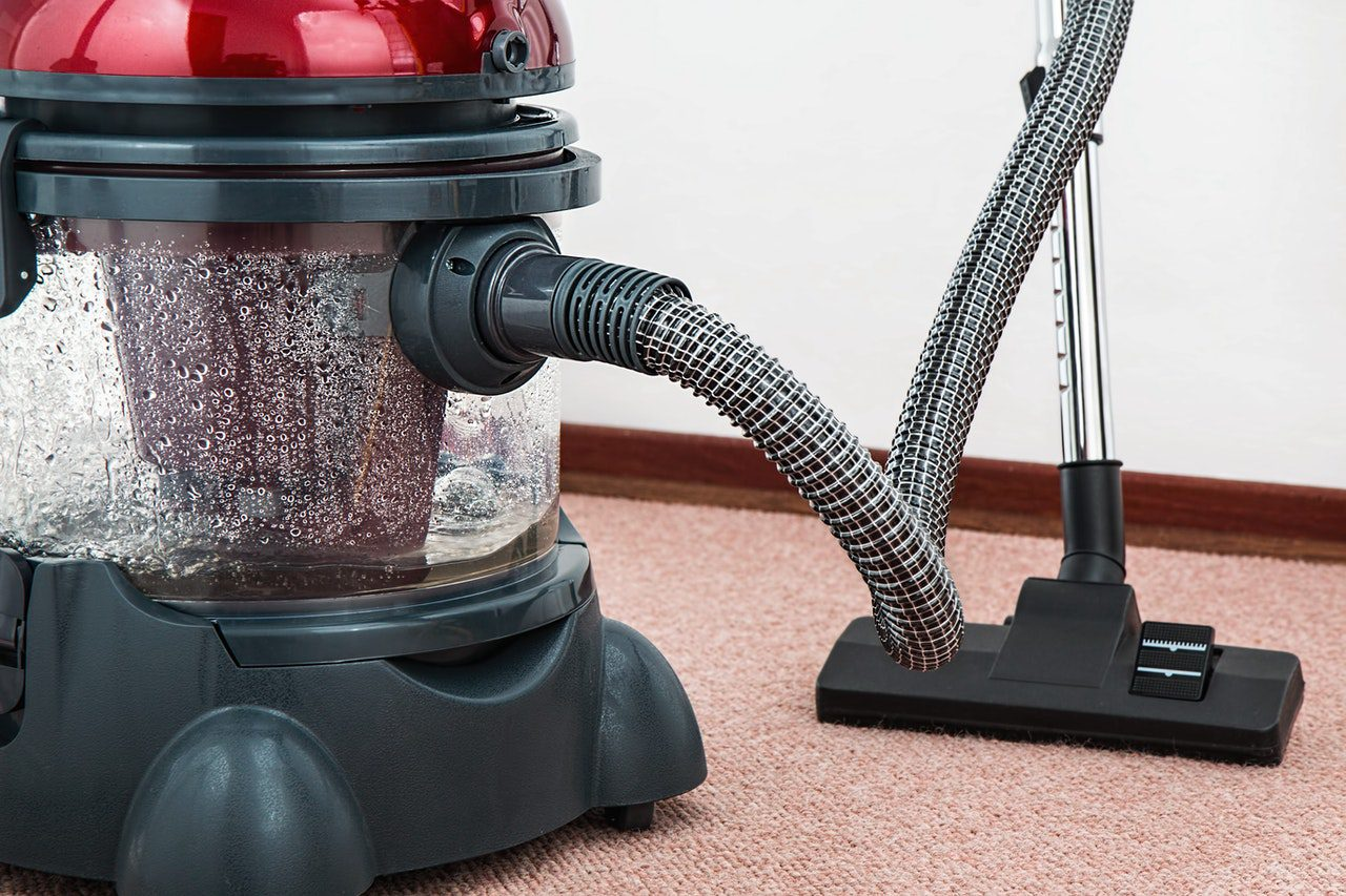 You are currently viewing A Guide to Help You Find the Right Cleaning Products