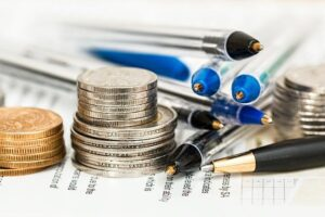 Read more about the article Reduce Your Utility Bills Year-Round by Following These 7 Tips