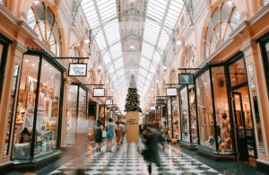 Read more about the article 5 Things to Do If You Fall While Shopping