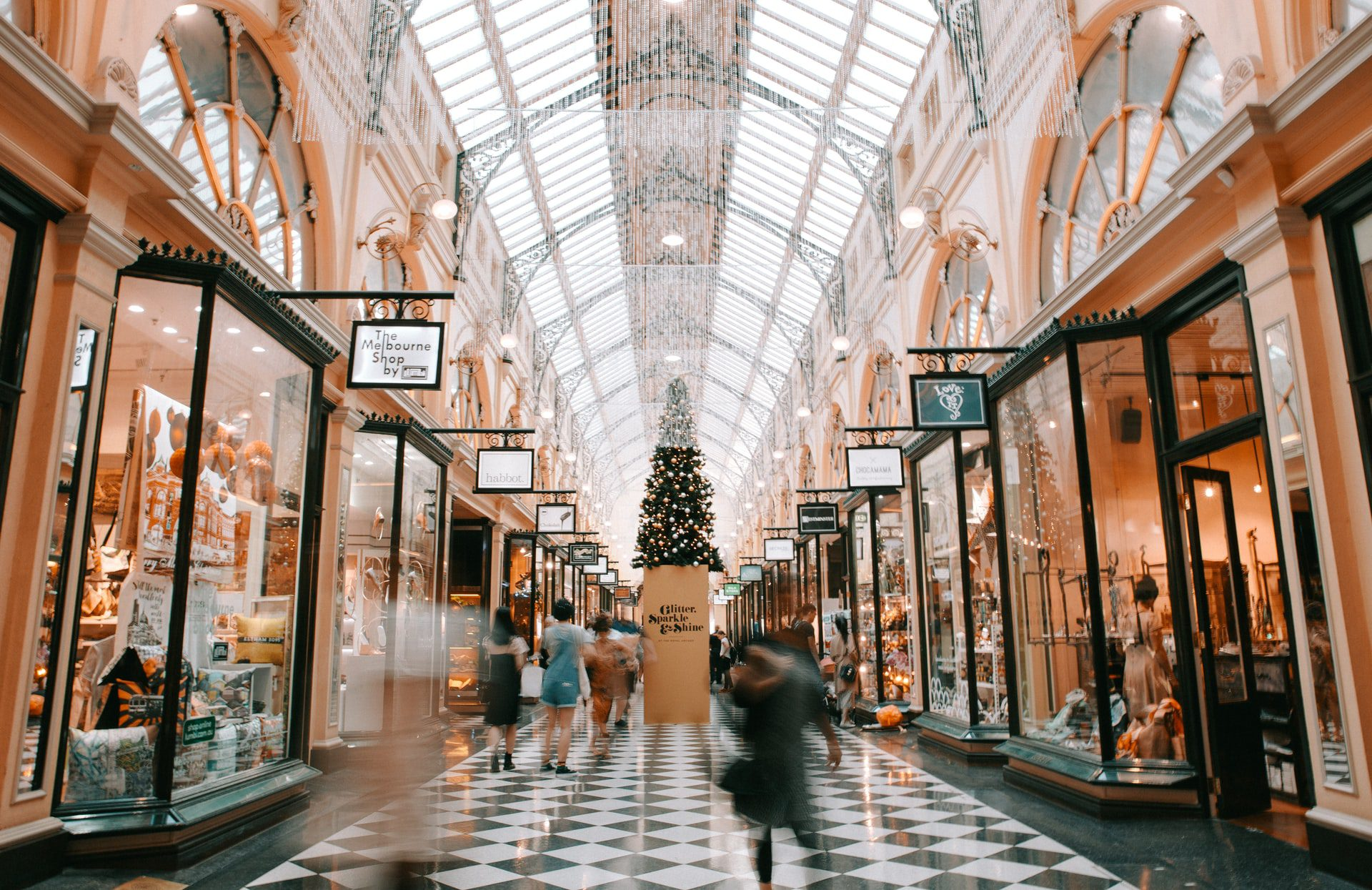 You are currently viewing 5 Things to Do If You Fall While Shopping