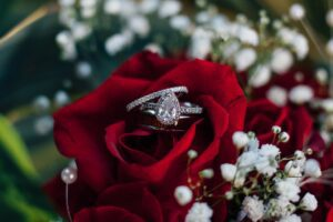 Read more about the article Why Pick A Custom Engagement Ring