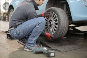 Read more about the article How to Check and Make Sure That Your Car is Working Properly
