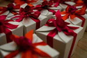 Read more about the article 6 Adorable Secret Santa Gift Ideas Your Co-workers Will Love
