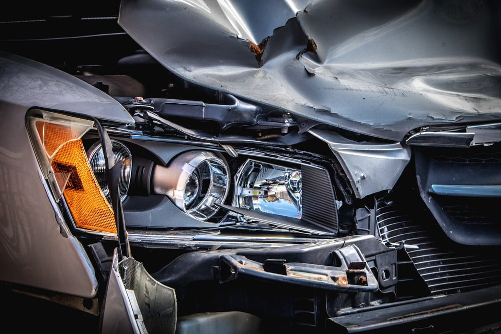 You are currently viewing Involved In a Major Car Crash? Here's A Guide on What to Do (And Not Do)