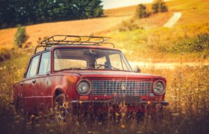 Read more about the article Struggling to Sell Your Old Car? Here's What to Do