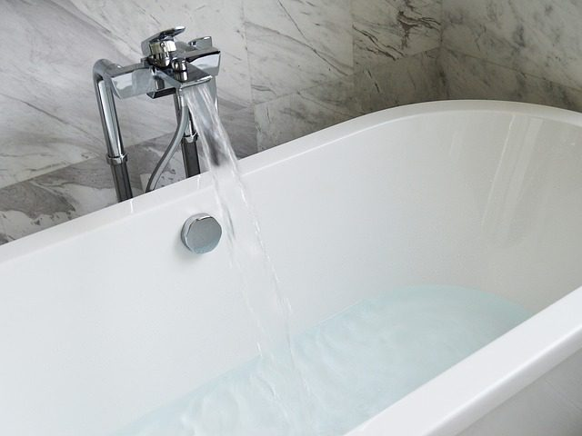 Type of tub