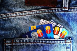 Read more about the article Planning to Get a Credit Card? Here Are Some Tips