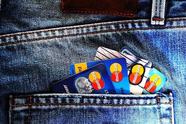 You are currently viewing Planning to Get a Credit Card? Here Are Some Tips