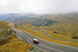 Read more about the article 3 Road Trip Safety Tips