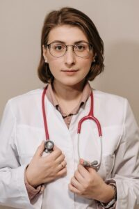Read more about the article The Top Reasons Why Moms Are Becoming Nurse Practitioners
