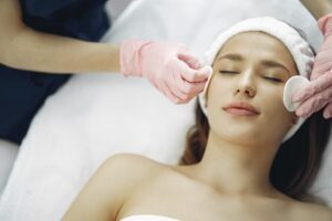 Read more about the article Things to Know About Getting an Extraction Facial Treatment in Singapore