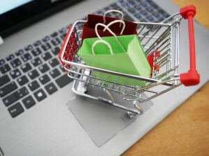 Read more about the article Blunders People Make While Ordering Groceries Online
